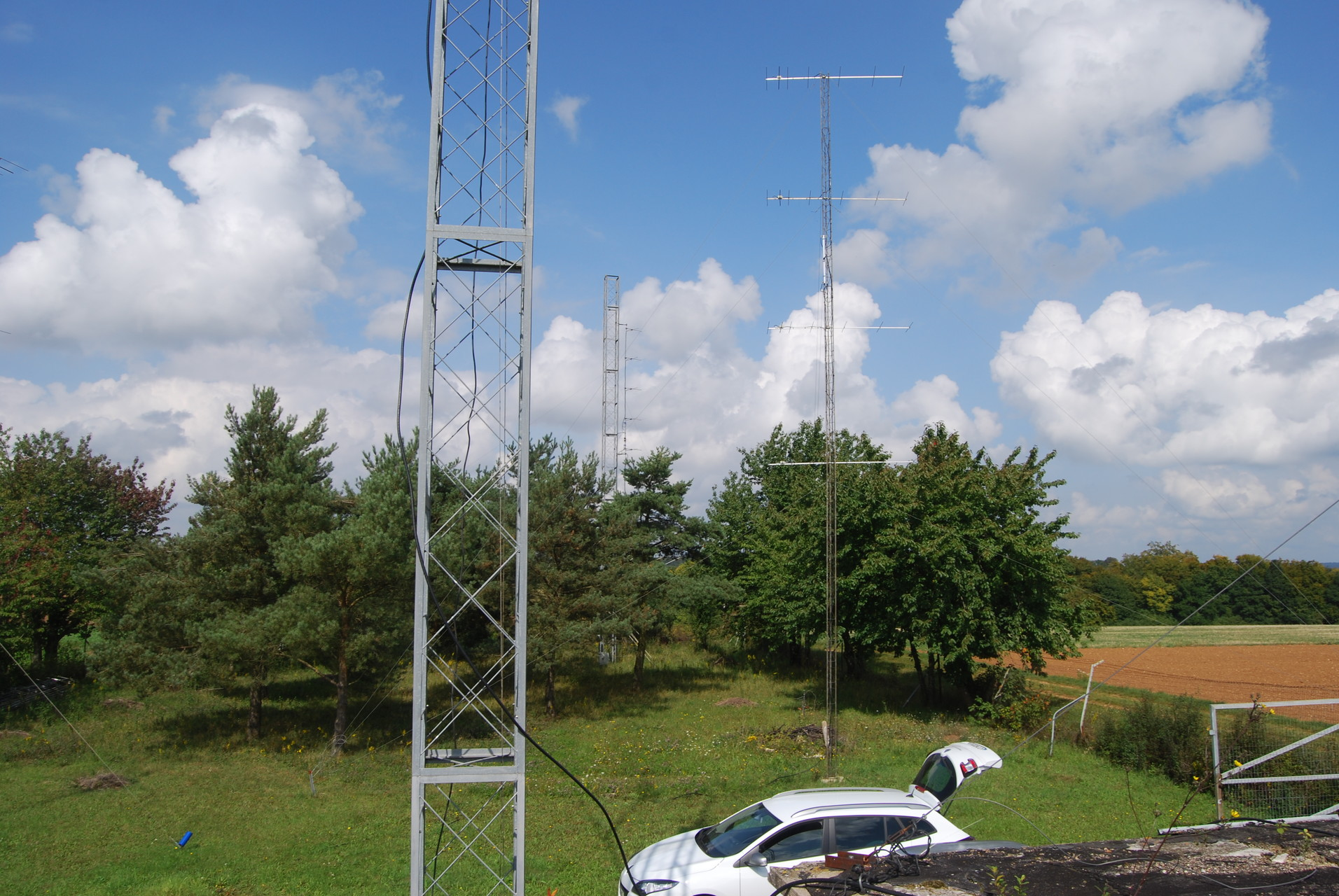 Antenna to east - 4 x 7 el DK7ZB